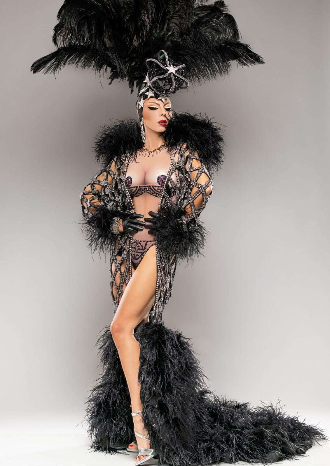Burlesque Outfit Dinner Show or Nightclub